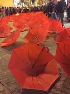 Copia di OmbrelliRossi_Festival